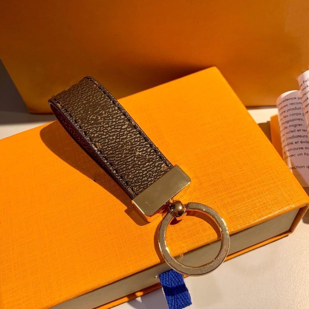 Unisex Fashion Keychain con scatola e sacchetto antipolvere 2021 Designer Handmade Key Chains Catene 4 colori Borse Borse Borse Key Pendant Fibbia Accessori