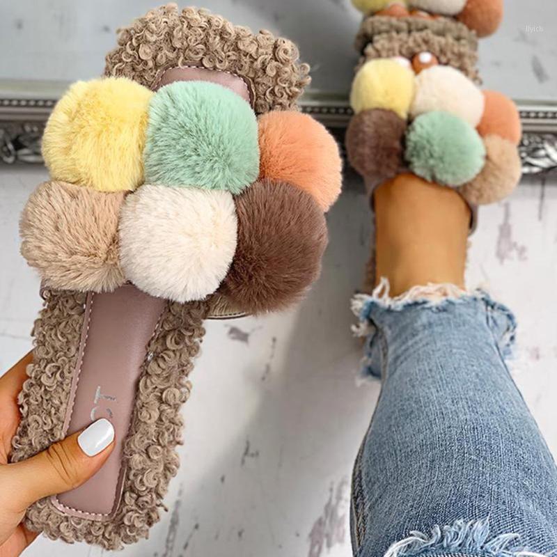 Roma stile donna retrò pantofole estate morbida scarpe casual palla di capelli all'aperto plus size slipper morbido peluche inverno primavera chaussures1