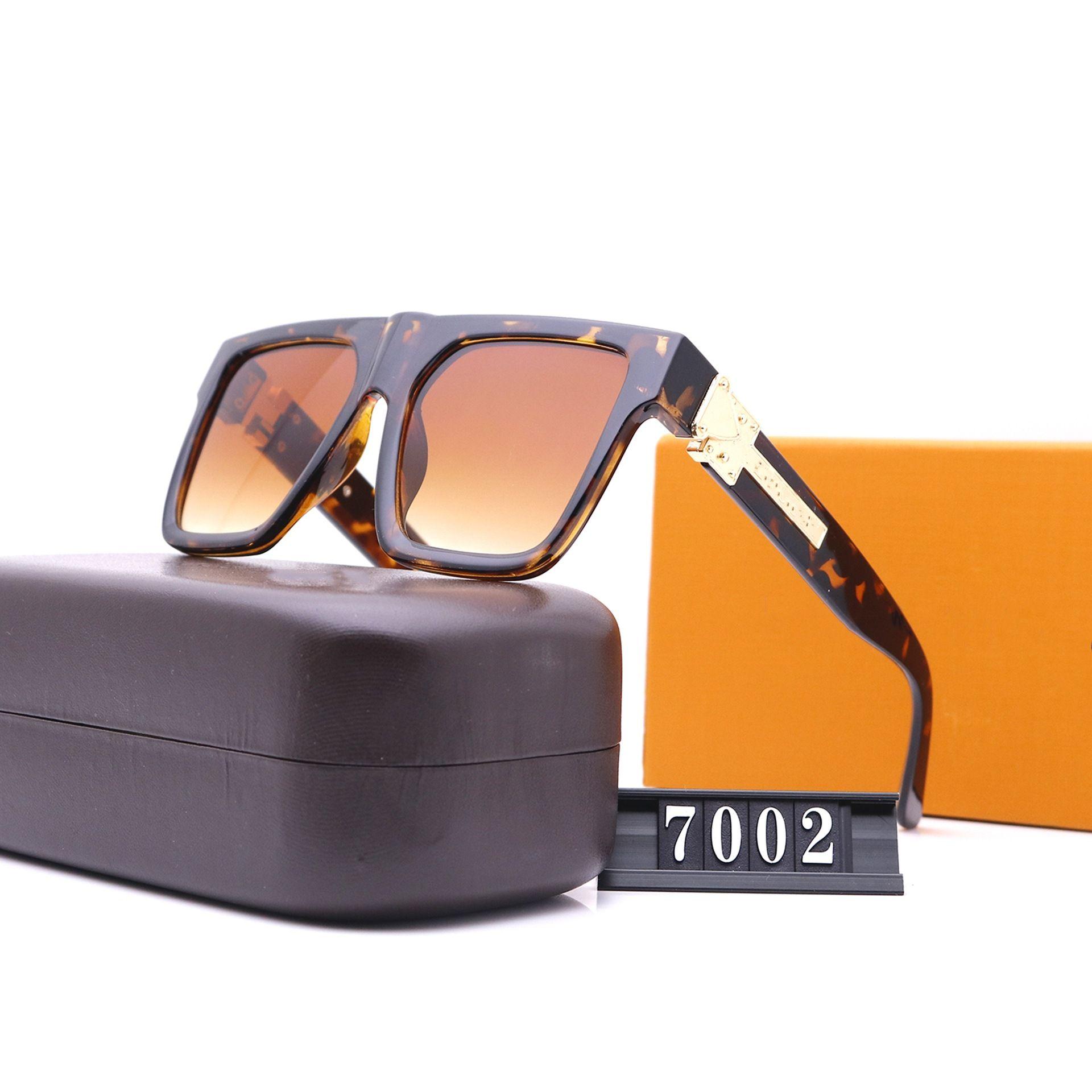 نظارات شمسية للإطار الكلاسيكي للنساء سبعة ألوان فاخر مصممين عالية الجودة HD الاستقطاب عدسات القيادة نظارات 7002