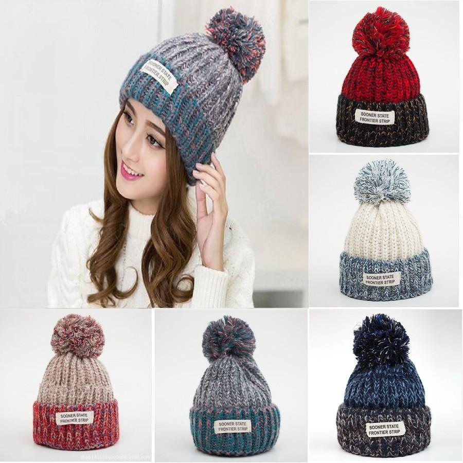 Femmes en tricot Balle souple Cap filles d'hiver de fourrure Pom Bonnet à pompon extérieur Réchauffez Crochet Ski Cap Party Bonnet Fashion Hat DDA725