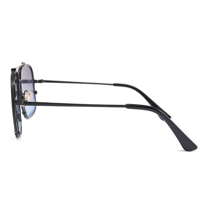 Moda Moda Gafas de sol Doble Bridge Plano Top Tendencia Lujo Mujeres Hombres Encantos Metal Decoración de marco grande UV400 Party1
