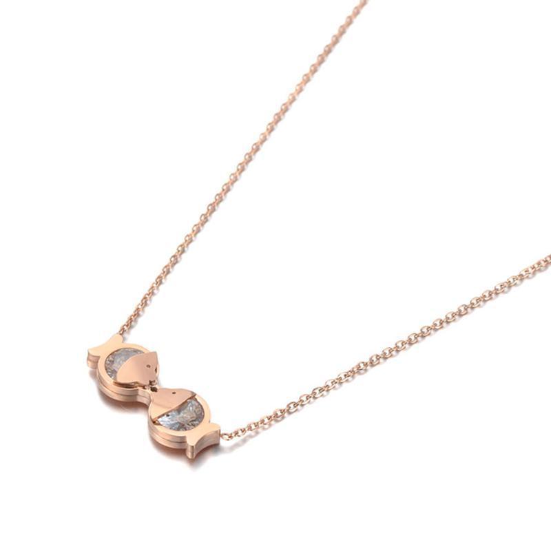 Arbeiten Sie Edelstahl-CZ-Kristall-Doppel Fisch-Charme-Halsketten-Schmucksache-reizender Anhänger Kette Halskette für Frauen N19114