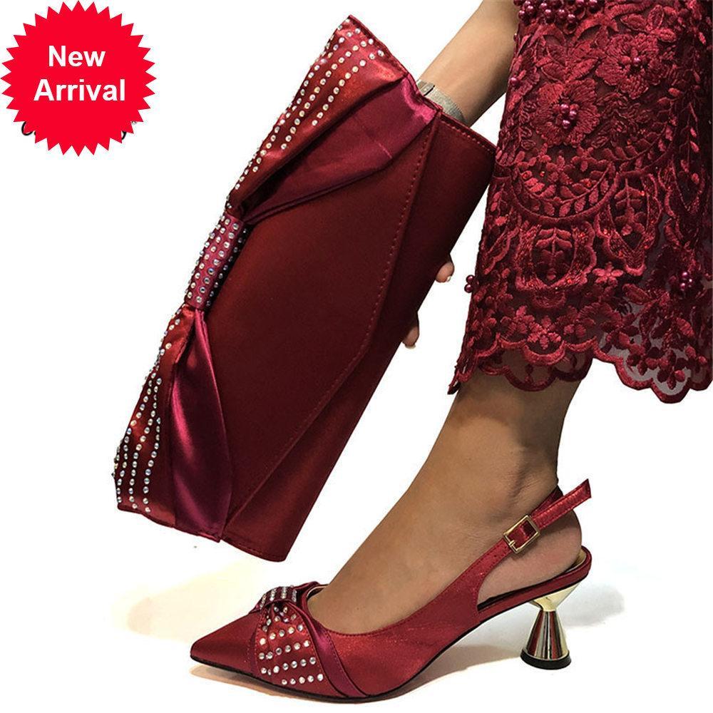 Yeni Şarap Rengi Moda İtalyan Ayakkabı Eşleştirme Debriyaj Sıcak Afrika Büyük Düğün Ile Yüksek Topuk ve Çanta Set Parti