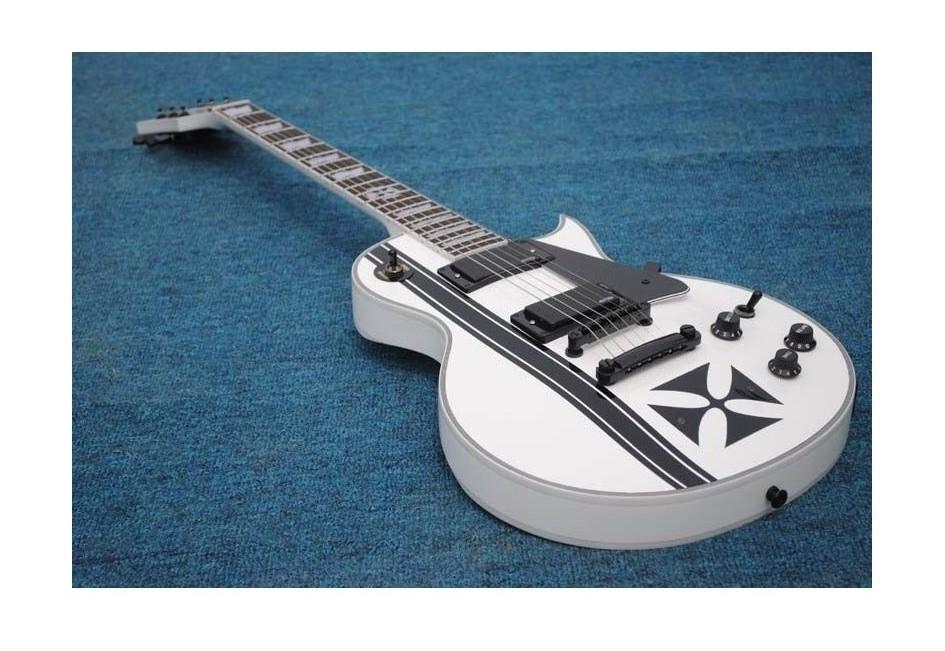 مخصص المحدودة الحديد الصليب SW جيمس هيتفيلد توقيع الغيتار الكهربائي 6 سلسلة emg التقاطات اللون الأبيض مع شحن مجاني