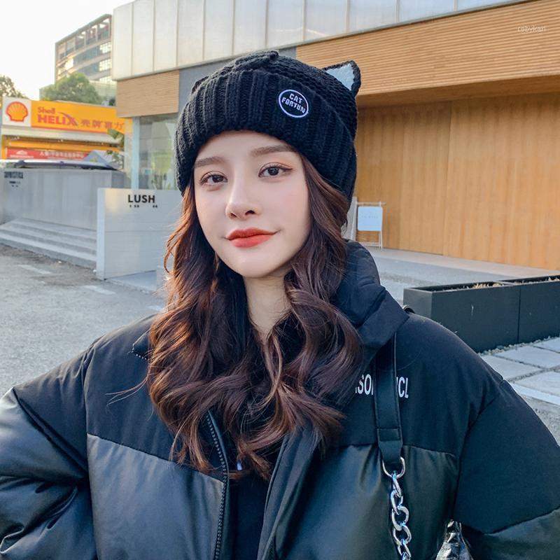 Foux berretti cappelli inverno donne cartoni animati gatto orecchie carino tappo cranio tappo auricolare auricolari a maglia lettera ricamo coreano sanitaire caldo 2020 new1