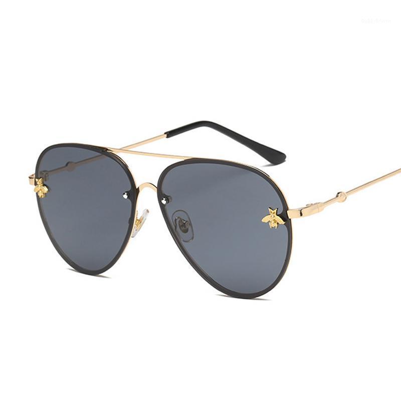 Güneş Gözlüğü Vintage Kadınlar Yüksek Kaliteli Metal Retro Arı Güneş Gözlükleri Kadın Klasik Havacılık Degrade Lüks Gafas de Sol1