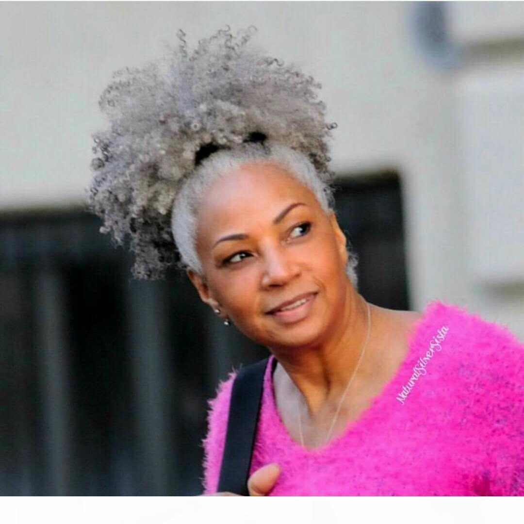 Cheap серые волосы kinky Culry ponytail волос наращивание волос 100% реальные бразильские волосы девственницы серый хвостик афро слоеных зажимов