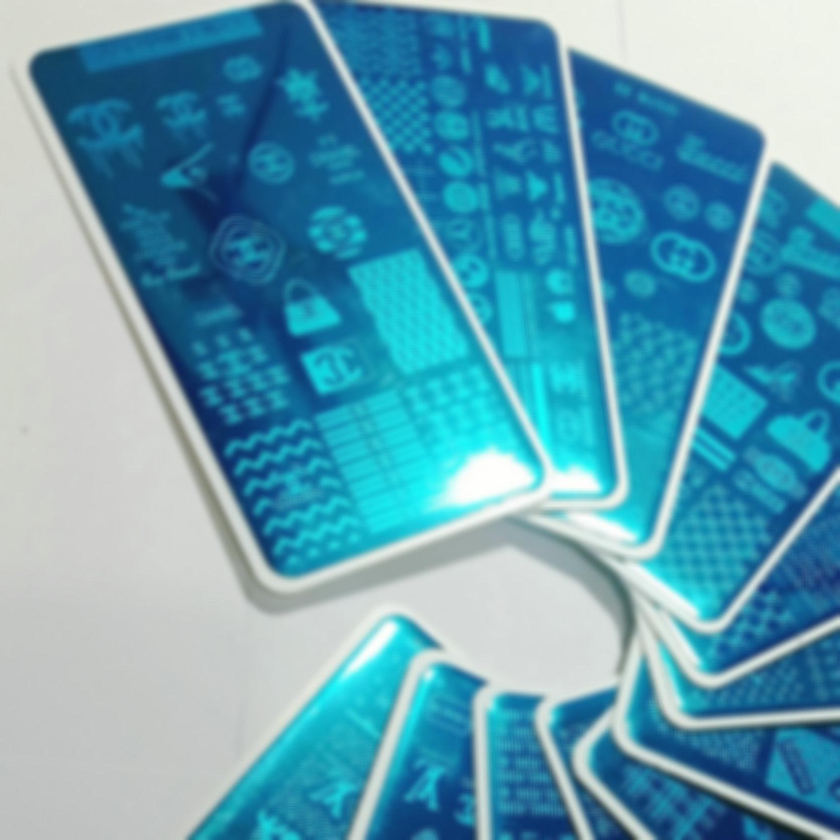 12 stücke große logo marke design nail art stempel platte stempel volle französische bild metallschablone transfer polnische druckvorlage mit kunststoff blatt