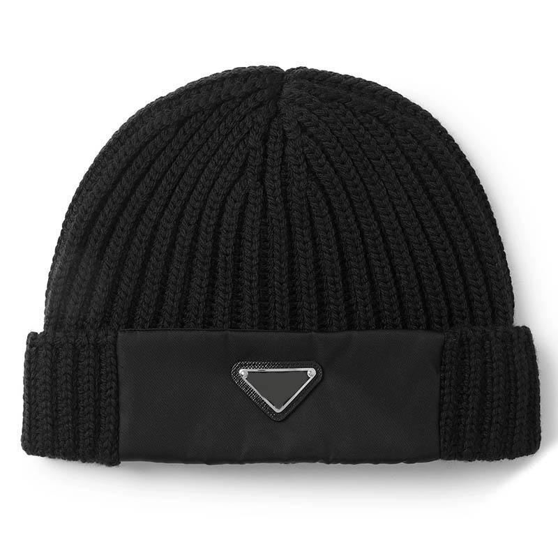 kadın tasarımcıları şapkalar 2020 sonbahar / kış siyah ters üçgen logosu soğuk şapka Yün kap erkekler tasarımcıları şapka dikiş örme