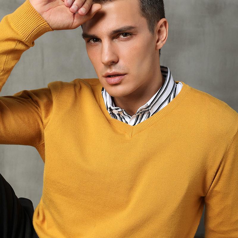 2020 mens otoño e invierno suéter suéteres de cachemira de punto estilo sencillo V cuello suéter delgado puentes géneros de punto masculino Negro 3XL