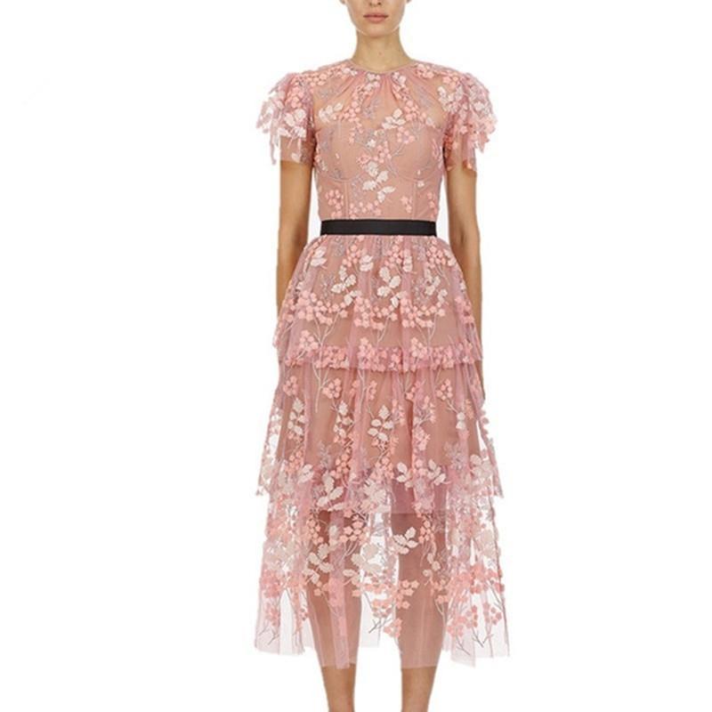 Elegant Ruffles manica corta rosa maglia ricamo floreale partito lungo abito estate donne di alta qualità Abito autoritratto Y200805