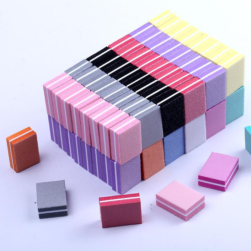 50pcs beaucoup double face Mini blocs de lime à ongles colorés ongles éponge polonais Ponçage Bandes tampons Outils de polissage de manucure