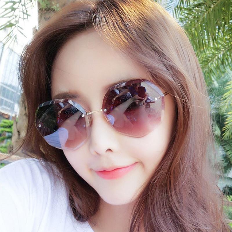 2020 nuovo taglio-bordo degli occhiali da sole donne HD Ocean Colour Rimless Occhiali da sole Web Celebrity Fashion Girls regalo Joker