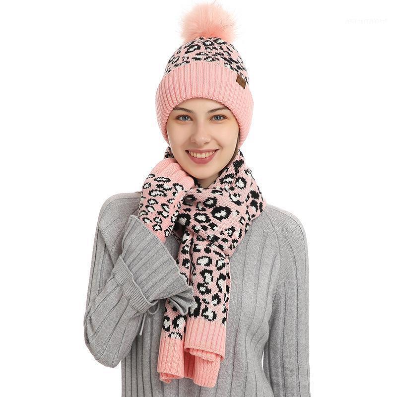 Шляпы, шарфы перчатки наборы 2021 дизайн женские зимние шляпы и шарф сенсорный экран набор теплых шапочек шерстяные сгущает перчатки1