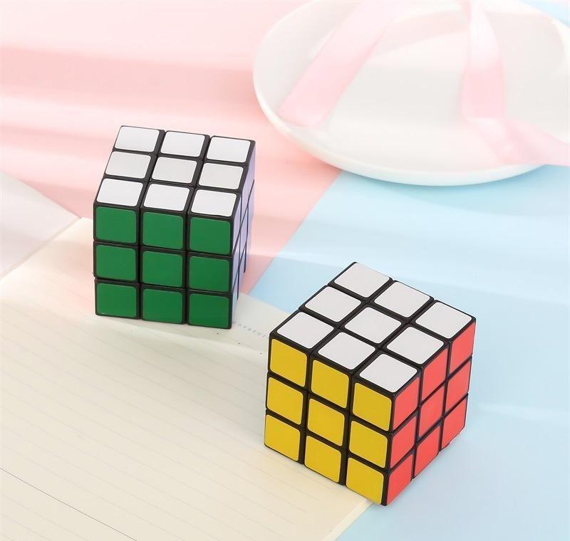 هدية 3 سنتيمتر لعبة التعلم مصغرة لعبة جيدة لعبة جيدة حجم مكعب ماجيك اللعب التعليمية لغز السحر الضغط مكعب صغير jllwl mx_home