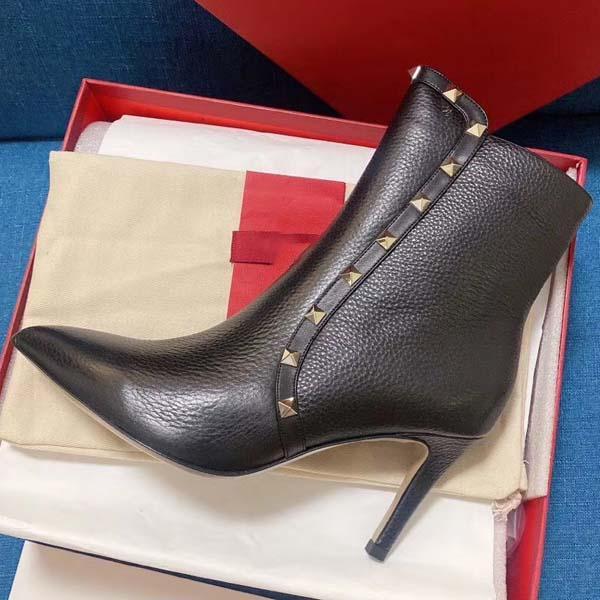 Tacchi alti da donna 80mm Stivali da 80mm Rivetti invernali appuntiti Pompe in pelle reale Pompe di Parigi Boots Taglia 35-40 con scatola