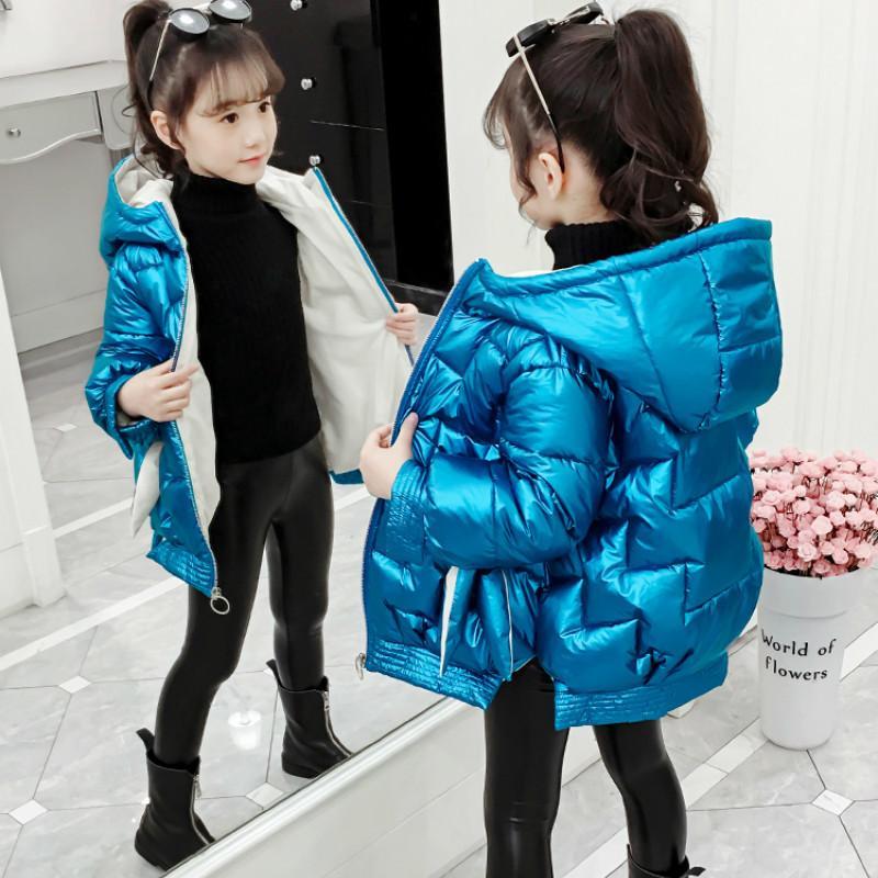 Niñas abrigos de invierno de la muchacha del color brillante de la chaqueta de frío de niños Parkas 2020 Nueva capucha para niños Outwear los cabritos del niño a prueba de viento Ropa 0930