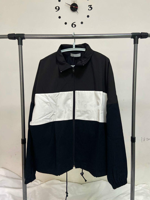 2020 봄 새로운 망 재킷 패션 트렌드 느슨한 코튼 패브릭 windproof 히트 컬러 스티치 m-l-xl 남자와 여자 같은 코트