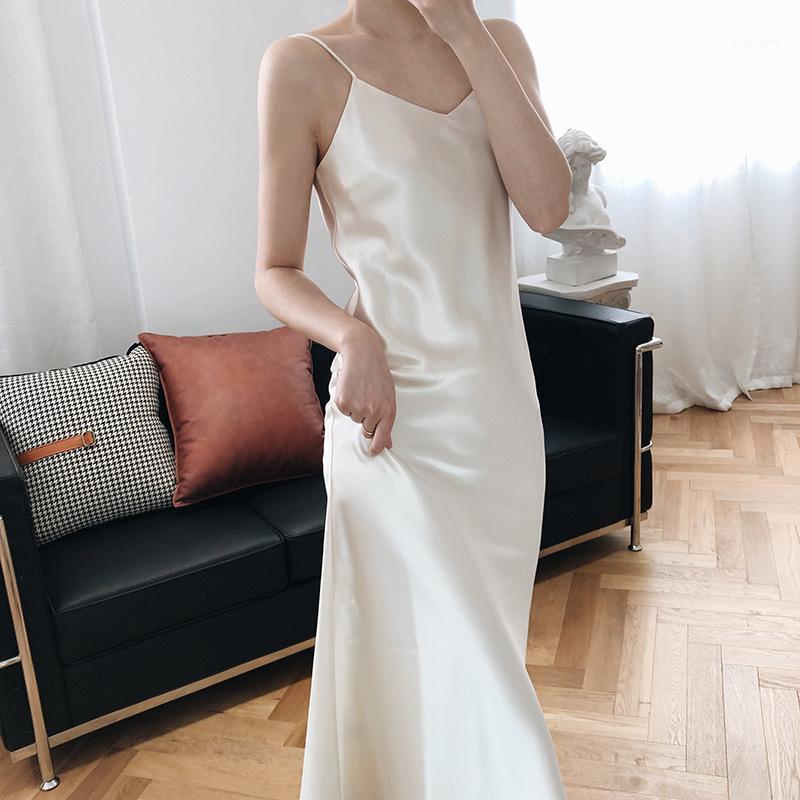 Sherhure 2020 Kolsuz Zarif Yaz Uzun Saf Renk Askısı V Yaka Saten Kadınlar Gündelik Elbise Vestidos1