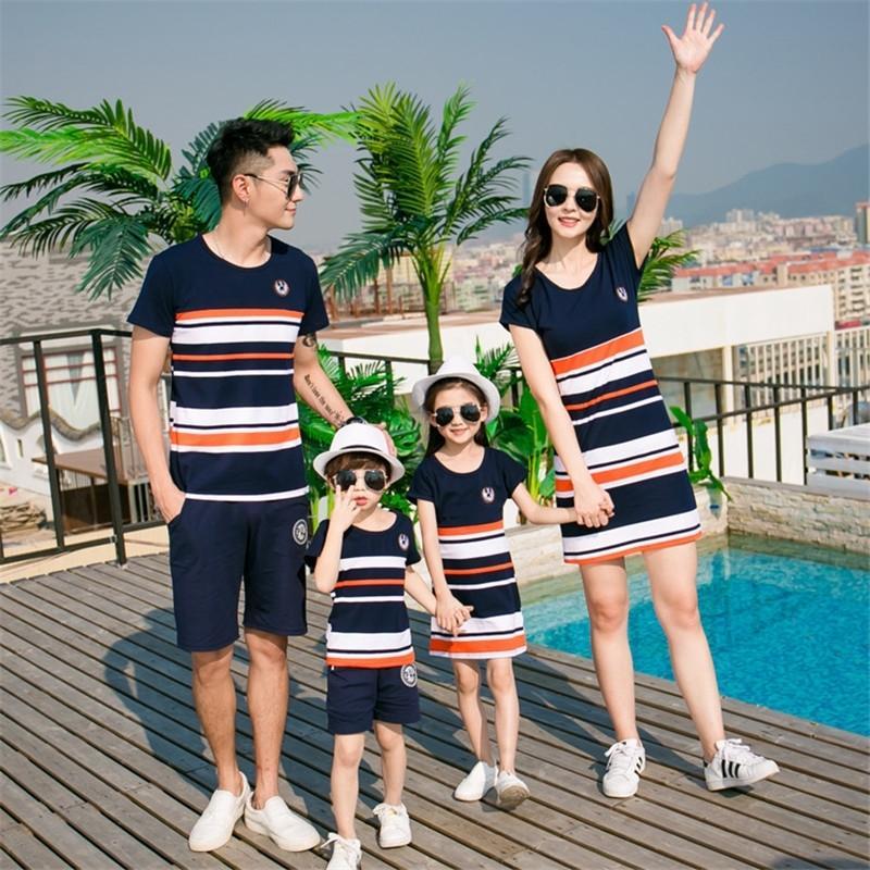 Família, olhar, vestido, mãe, mãe, filha, roupa, forma, listrado, fashion, jogo, jogo pai, filho, bebê menino menina, menina y200713