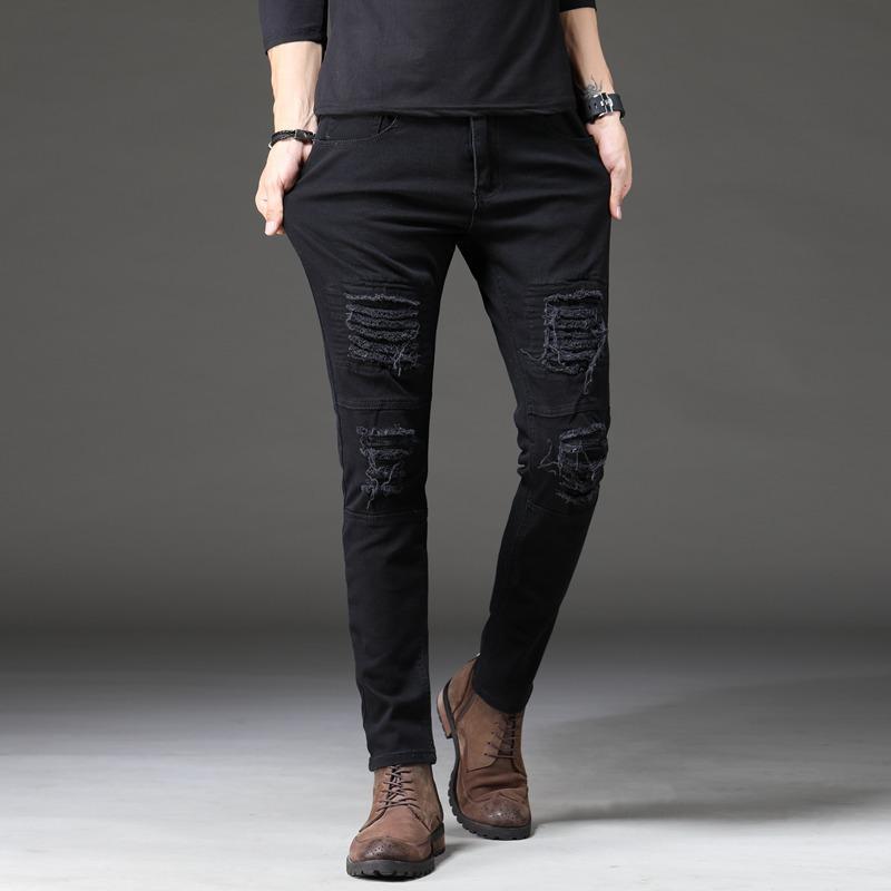 2020 Uomini Stretch Jeans Biker Jeans Denim Pieghe Fori ginocchio strappato Slim Fit Men afflitto