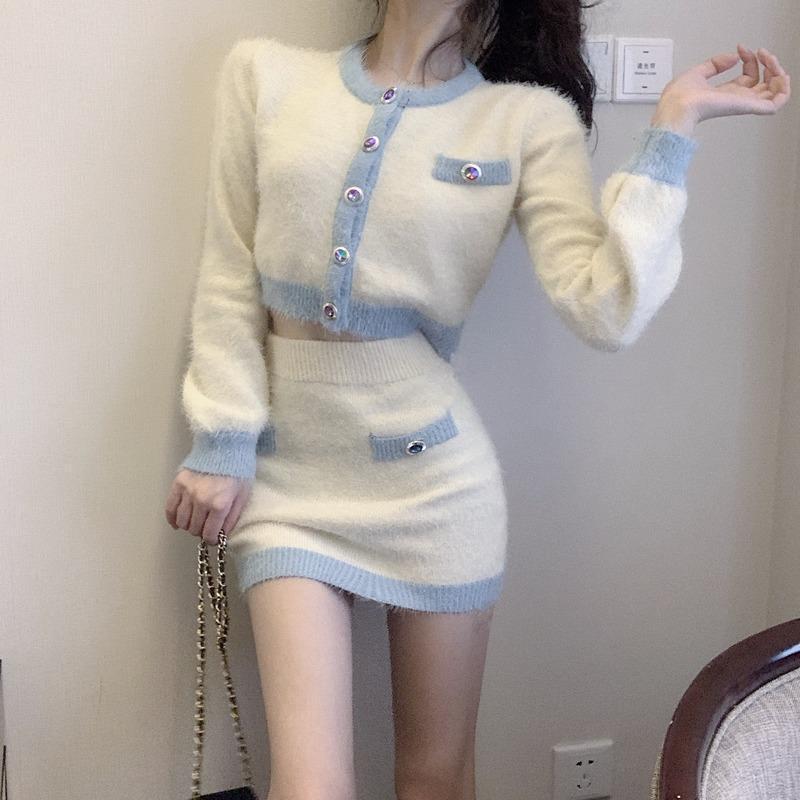 Autunno lavorato a maglia insieme a due pezzi per le donne girocollo Monopetto Camicia E a vita alta mini gonna bianca allentato 2pcs Suit 2020