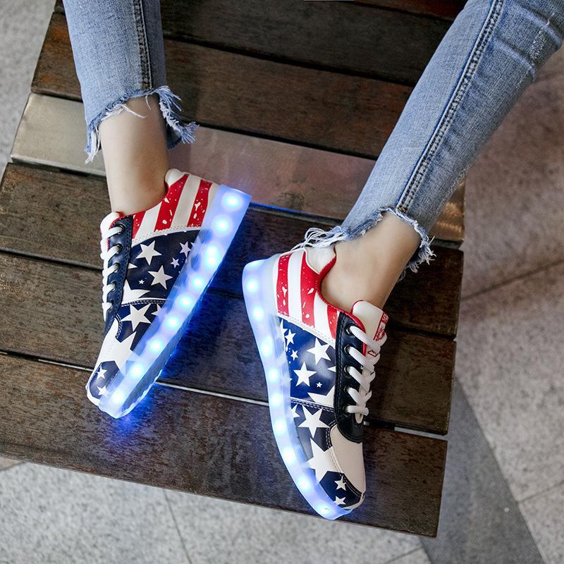 Parlayan Sneakers Erkekler Kızlar Işıltılı Ayakkabılar Çocuk Boyutu 27-42 Ücretli USB ile tek Çocuklar Işıklı Led Terlik Light up