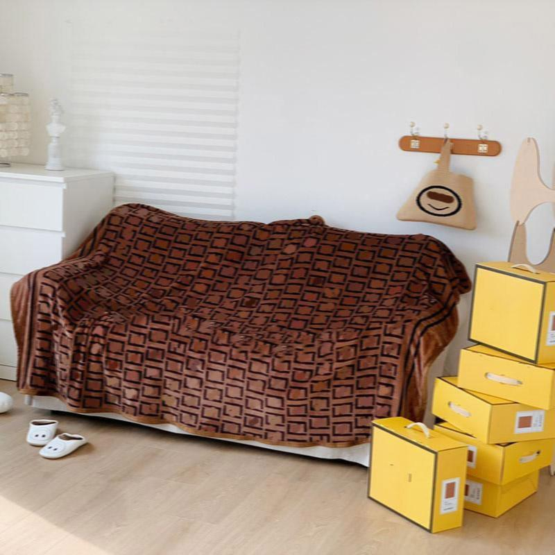 Sıcak Satış Kapalı Açık Battaniye Sıcak Taşınabilir Çift Kapakları Luxurys Yumuşak Battaniye Sac Halı Seyahat Için Ev Ofis Şekerleme Uyku Yüksek Kalite