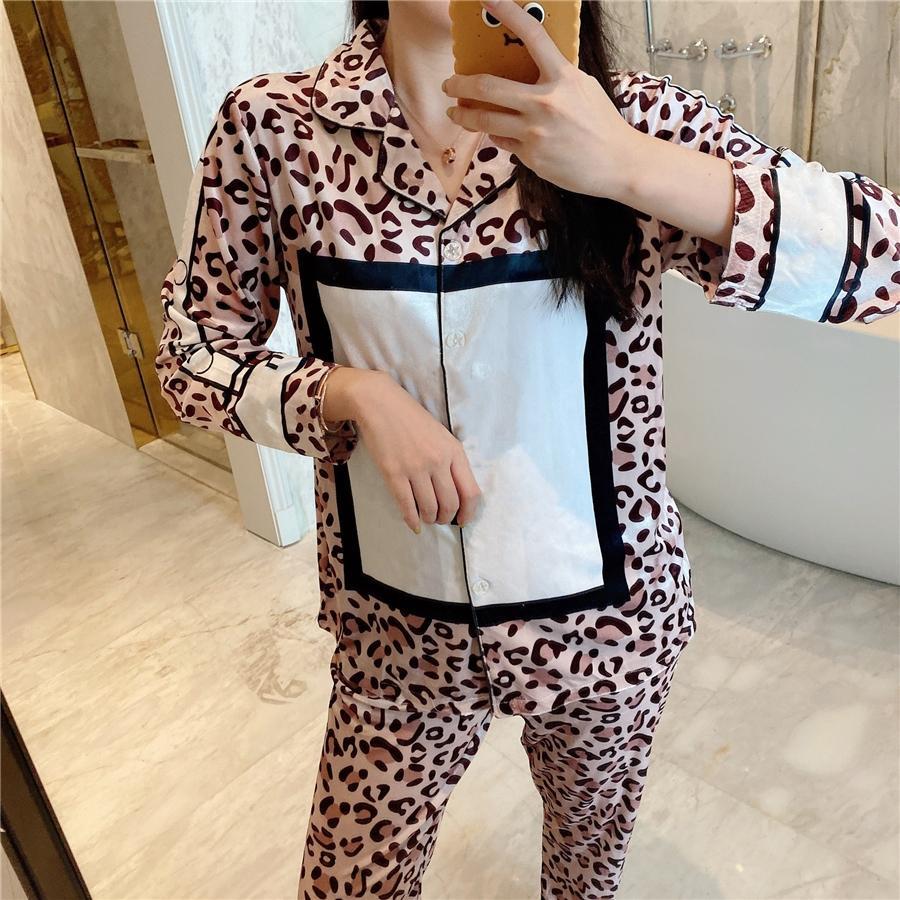 LeoPard Print Velvet Pajamas 2021 Новые черные белые женщины роскошные сонные одежды зима белый с длинным рукавом бархата женщины дома Pajamas дизайнер # 51 # 294009