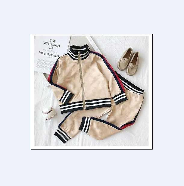 D2 Spring Baby Boy Girl Abbigliamento Moda Bambini T-shirt Pantaloni 2pcs / Set Toddler Cotton Suits Bambini Abbigliamento Abbigliamento Set infantile Tracksuit dei cartoni animati