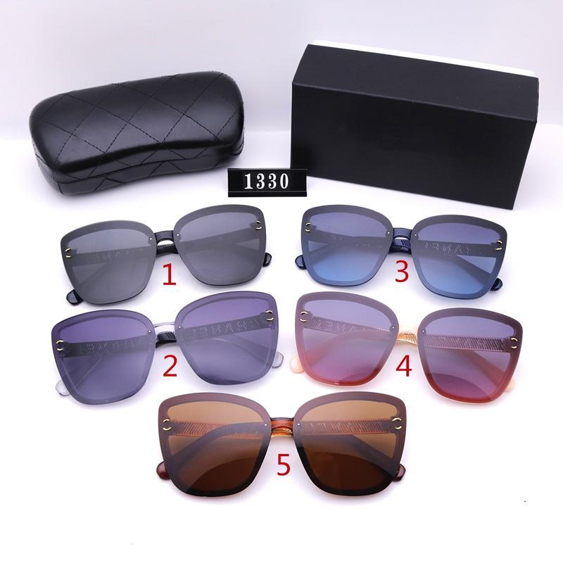 نظارات شمسية من خمسة ألوان أزياء للنساء مصممون مصممين جودة عالية HD الاستقطاب عدسات القيادة نظارات 1330