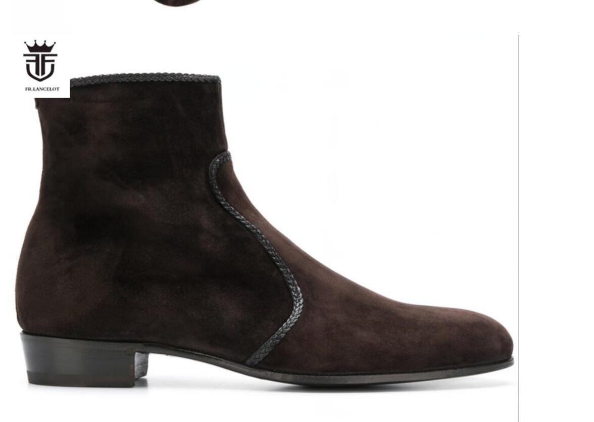 2020 neue Art und Weise Stickerei Männer beuten Reißverschluss Stiefel Stiefeletten Herren-Parteischuhe niedrige Spitze braune Farbe Booties