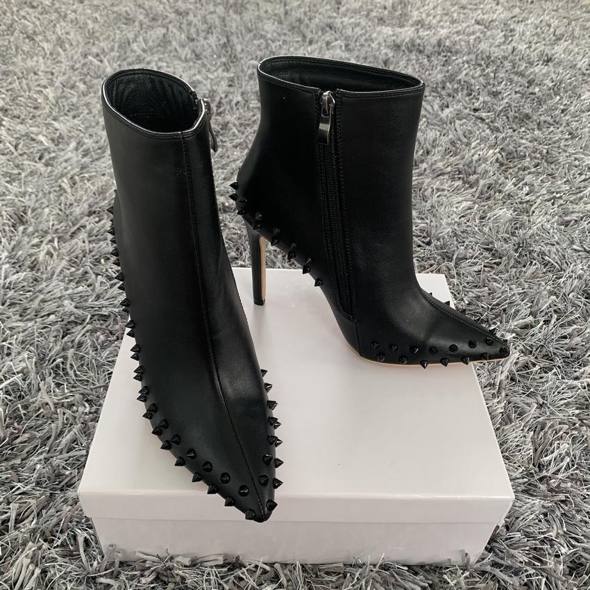 sexy dame femmes Designer Casual mode Livraison gratuite spikes en cuir noir court orteil point de hauts talons de bottes martin
