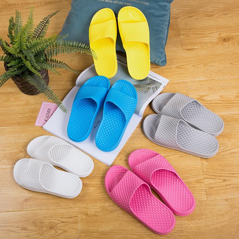 Летние крытые тапочки без скольжения домашняя обувь мужчины и женщины сплошной цвет китайский дезодорант мягкие дна сандалии новые пары моделей
