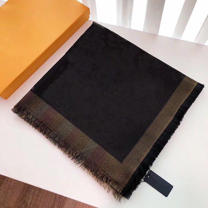 Роскошные женщины Soft Square Шелковый Одеяло 140 * 140 см Конструктор цветочным узором шарф платок для женщин 201021