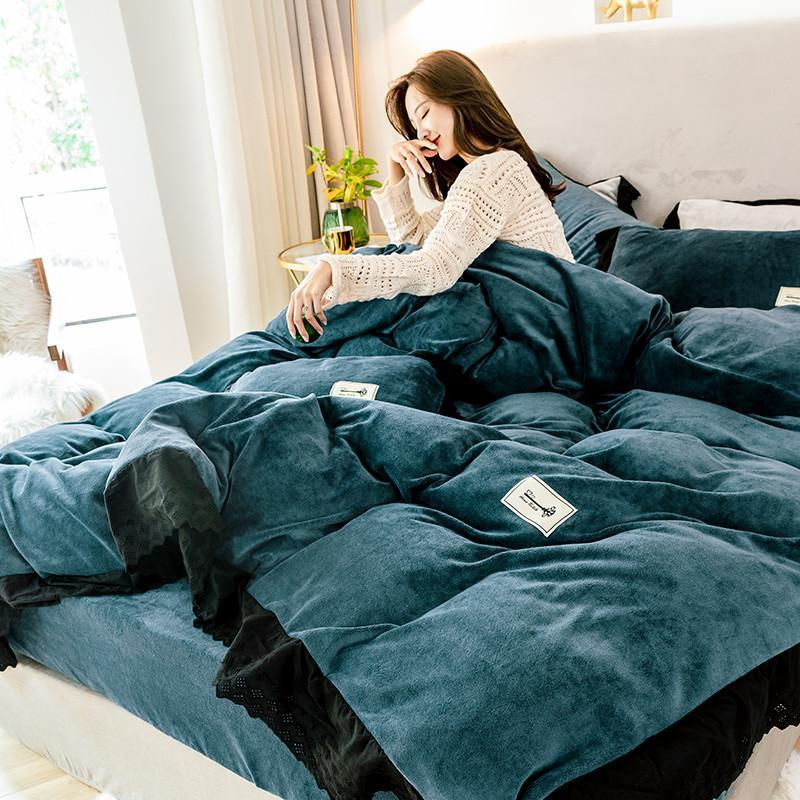 Luxury Style 4pcs Milk Velvet Lace Duvet Cover Bed Sheet Pillowcases Solid Blue Grey Red Bean Paste Pink Queen King