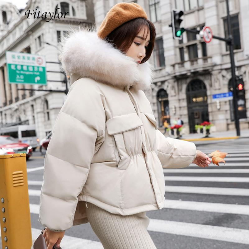 FitAylor Inverno Quente 90% Branco Duck Down Parka Mulheres Grande Real Raccoon Collar Colar Capuz Casaco Curto Casaco Loose Down Outwear 210204