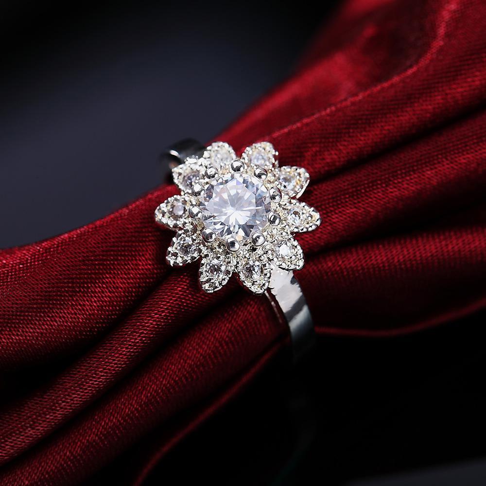 Whosale Hermoso Anillo de cristal de plata Noble Flower Fashion Women Women Anillo Joyería CZ Zircon Estampado H Sqckfi