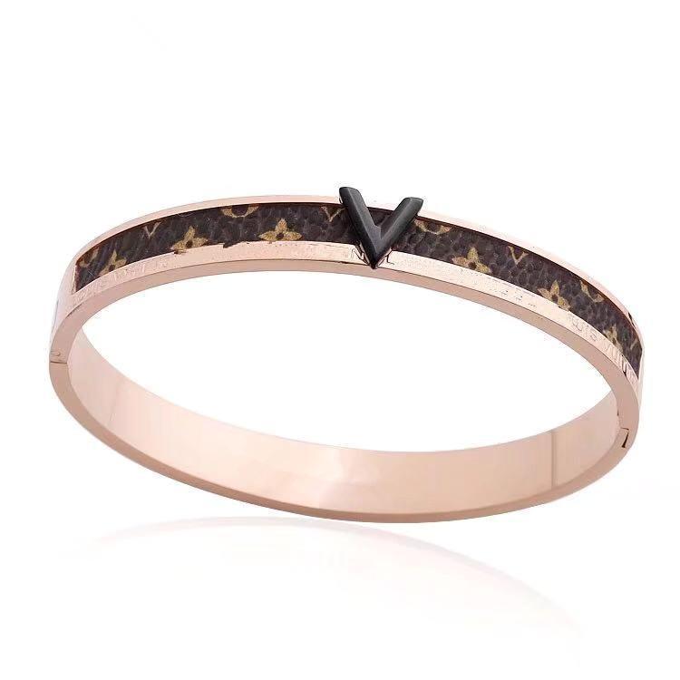 2020 neue Marke Mode Armbänder Armbänder Schmuck Frauen Luxus-Designer-Titan Stahl v Armband Silber Goldarmband Rose