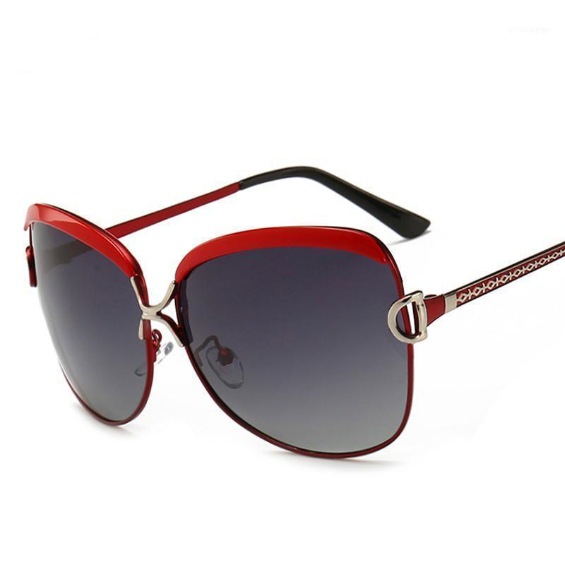 2020 Occhiali da sole vintage di lusso Donne Donne Designer Designer Occhiali da sole Femminile Guida di Guida Occhiali da sole per Lady Summer Style Specchio UV4001