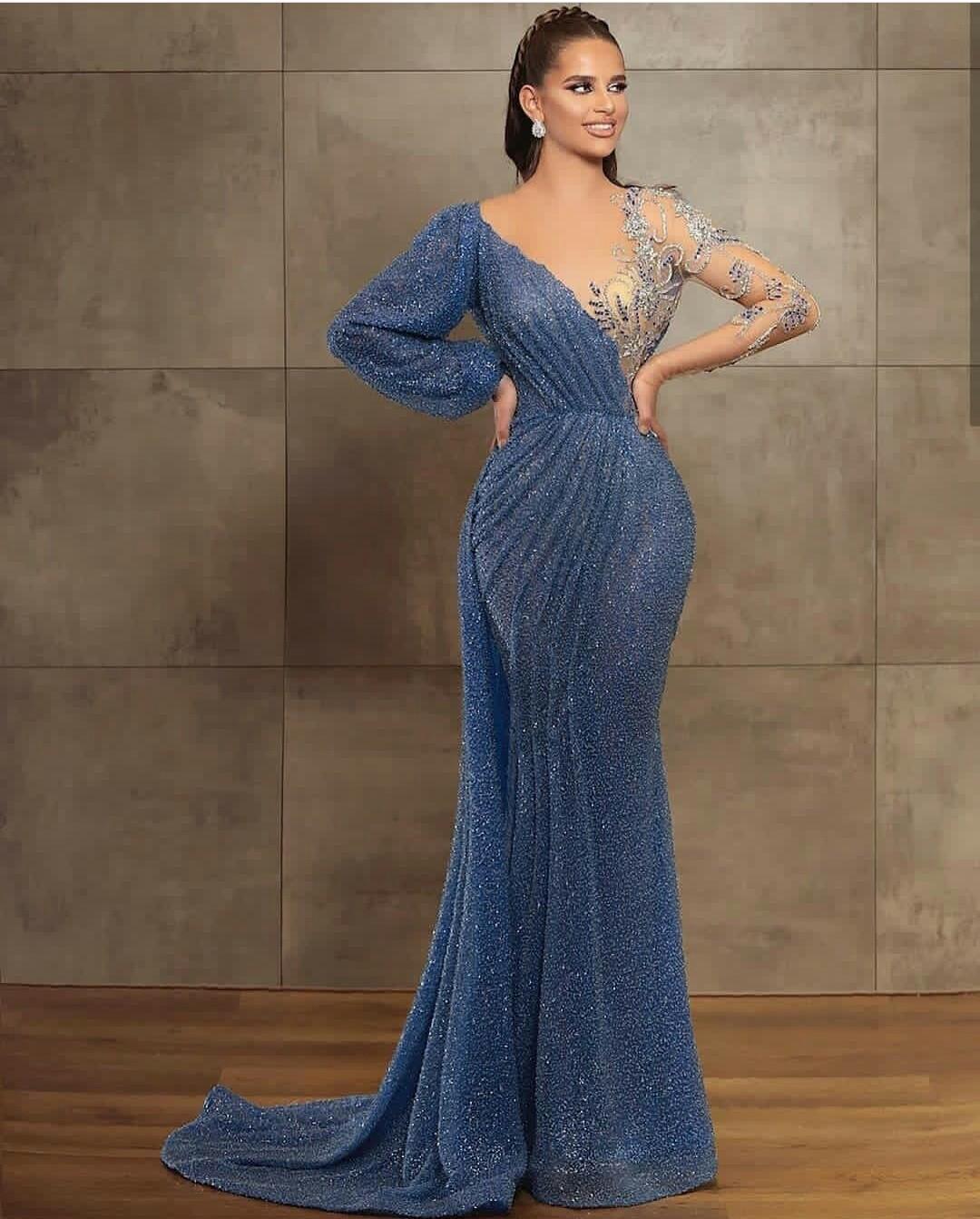 2021 Neue blaue Abendkleider Jewel Hals Perlen Pailletten Spitze Langarm Mermaid Prom Dress Sweep Zug Benutzerdefinierte Illusion Robe de Soirée
