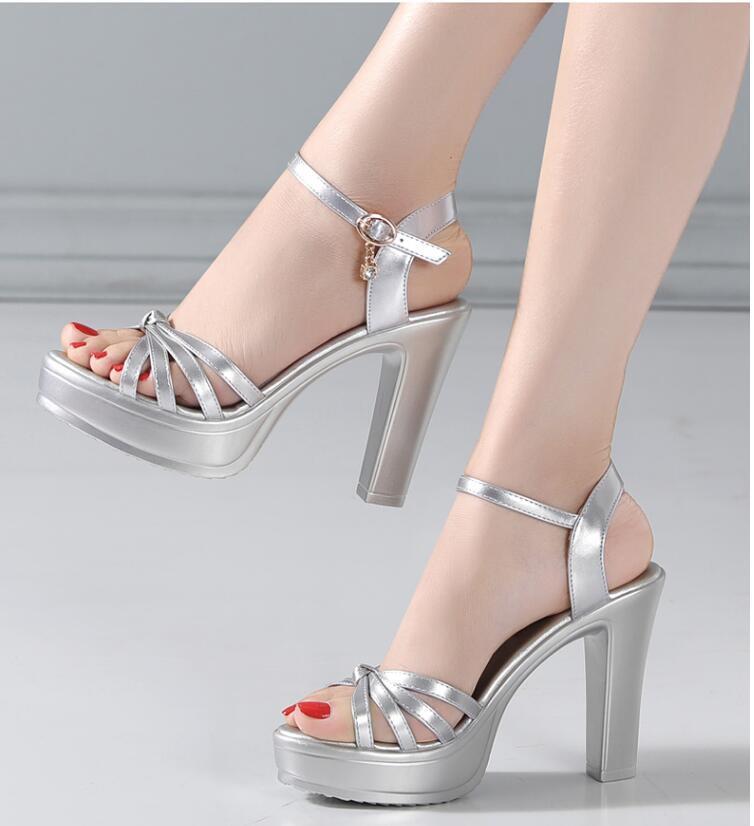 2020 Vente chaude filles design de mode chaussures de la plate-forme 6cm talon sandales Wome's occasionnel d'été doux talons épais chunky dame pompes sexy 39 40 # p41