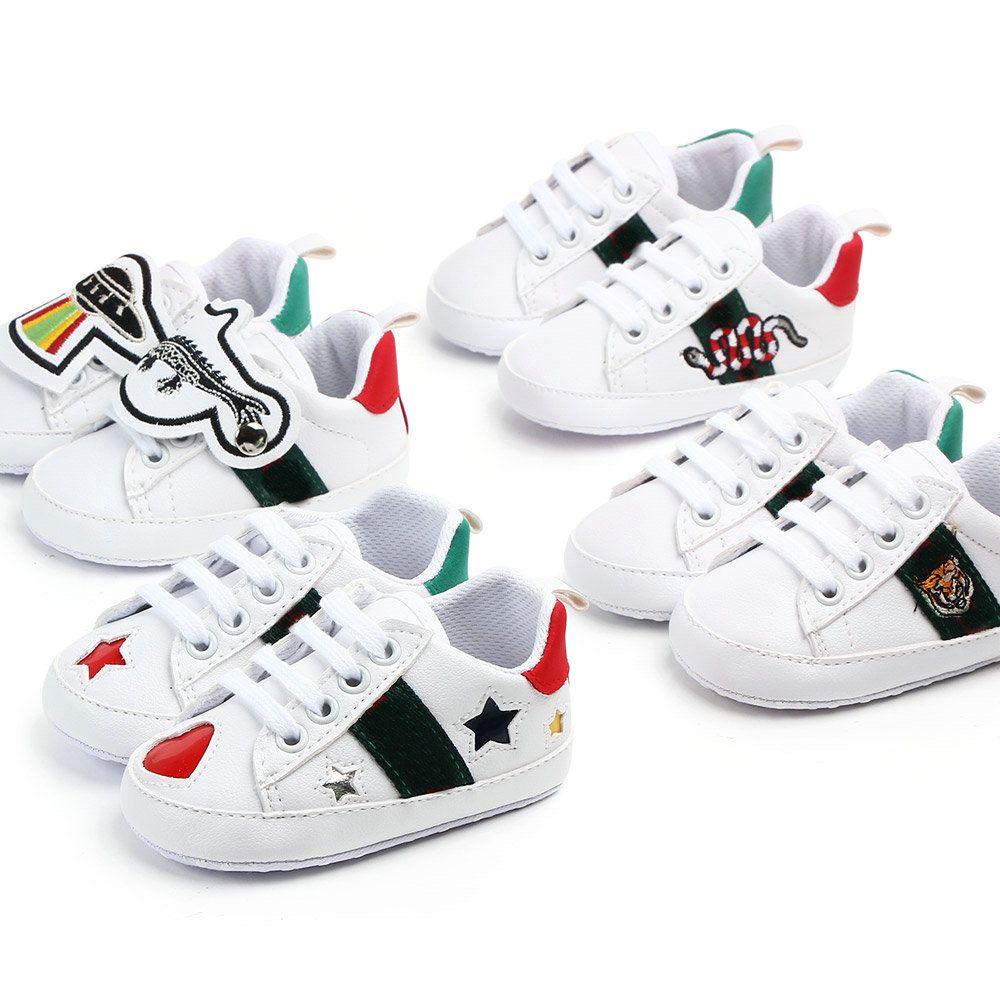 Chaussures bébé garçons nouveau-nés filles coeur étoile premier marcheurs marchonneurs chaussures enfants dentelle à lacets PU sneakers Prewalker Sneakers