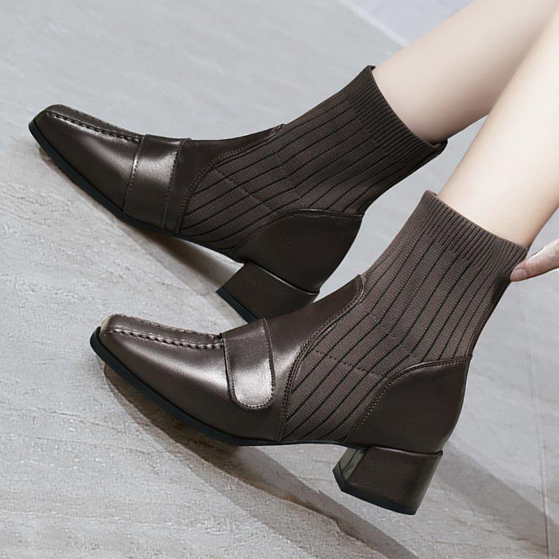 das mulheres Curto Botas Mulheres 2020 do estilo britânico Outono e Inverno Nova Moda Fina Mulheres Botas Voadoras meias de malha Shoes