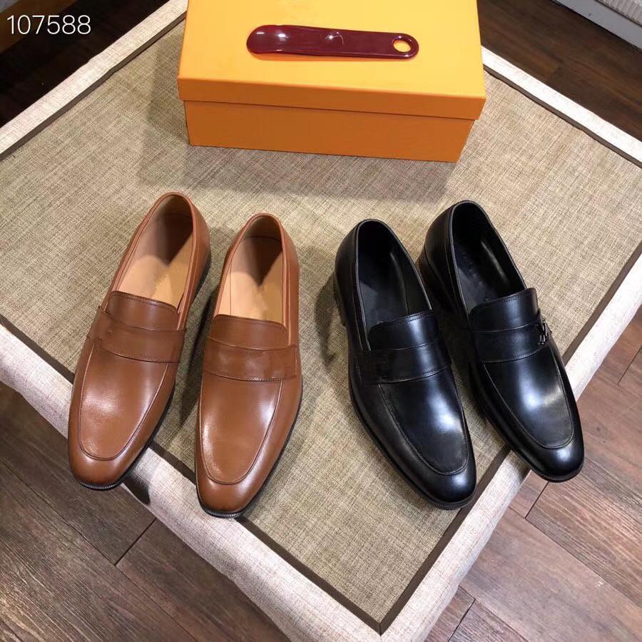 Grande taille 38-45 créateurs de mode Hommes Robe Chaussures de mariage bout rond luxurys Homme d'affaires British Leather Flats Chaussures à lacets Chaussures