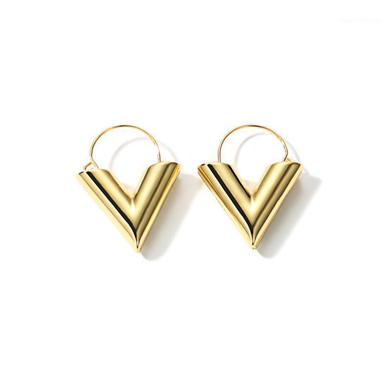 Hoop Huggie Bütün Salelwong 2021 Moda Altın Renk İlk V Küpe Kadınlar için Geometrik Minimal Basit Günlük Jewelry1