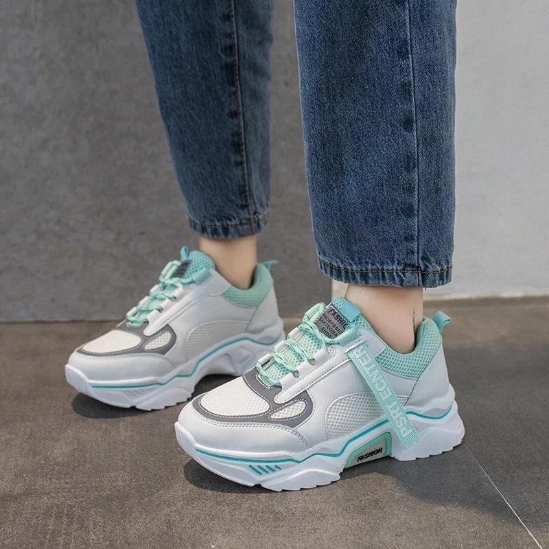 Scarpe da donna 2020 Nuove sneakers Chunky per le donne Vulcanize Scarpe Casual Fashion Dad Papà Piattaforma Sneakers Basket Femme Krasovki # I49P