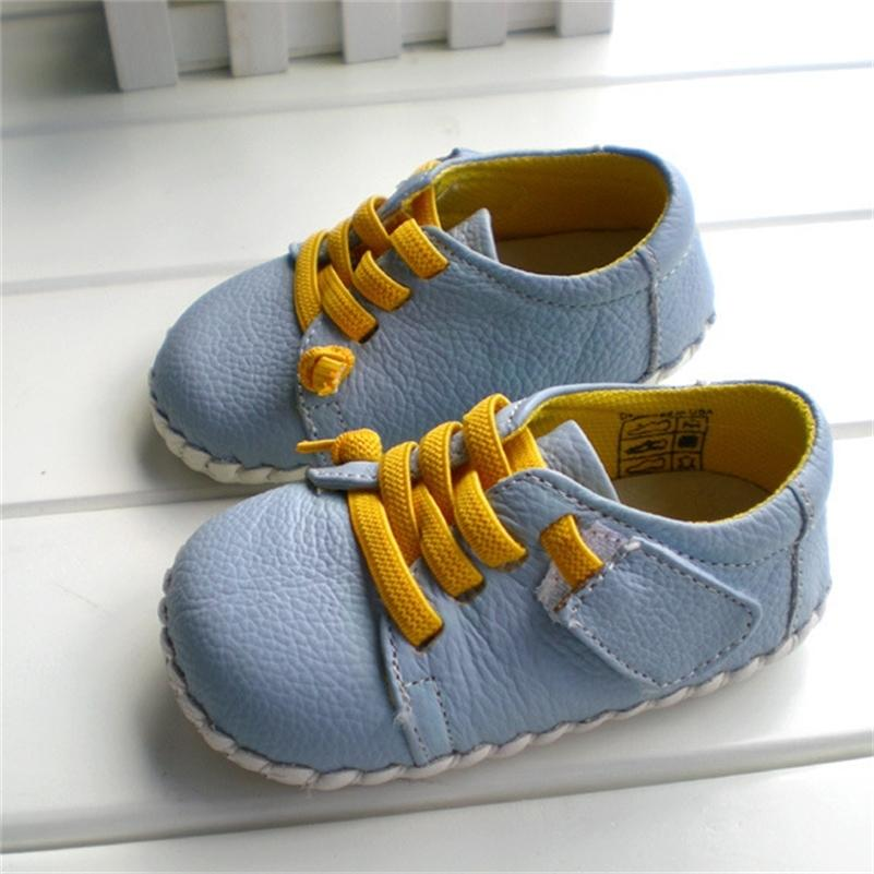 2020 Nuovo marchio Genuine Leather Shoes Indoor Baby Shoes Boys Girls Soft Anti-Skid Toddler Shoes Moda Luce Blu First Walkers LJ201104