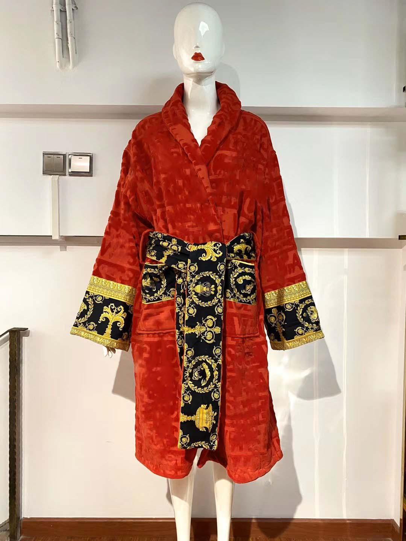 Homens Luxurys Designers Classic Letter Printing Men's Sleepwear 100% Algodão Girl-Down Collar 5A Qualidade Mulheres Vestes Populares Banho Vestes Preto
