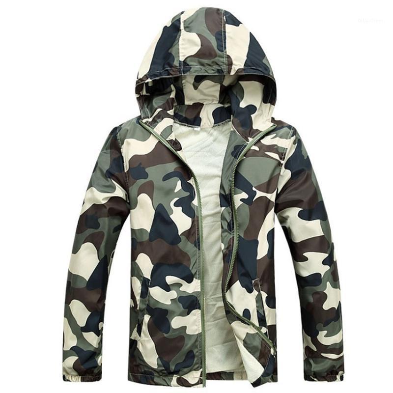 Frete Grátis 2020 Venda Quente Mens Outwear Jaquetas Finas Casacos Moda Camuflagem Jaqueta Verão Macho Com Capuz Coat Cheap1